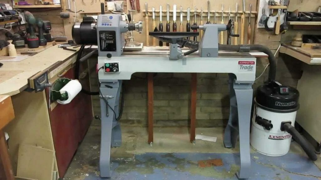 What Is a Wood Turning Lathe